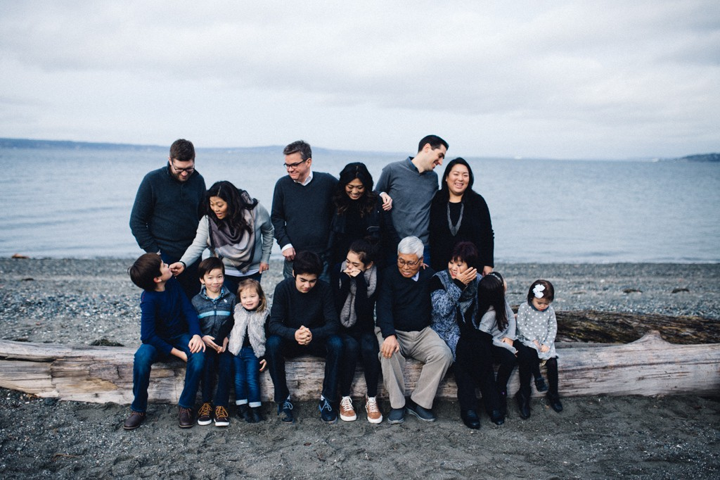 julia kinnunen photography, seattle, girl boss, lady boss, generations, holiday photos, couple, family portraits, kids, family photos, new years