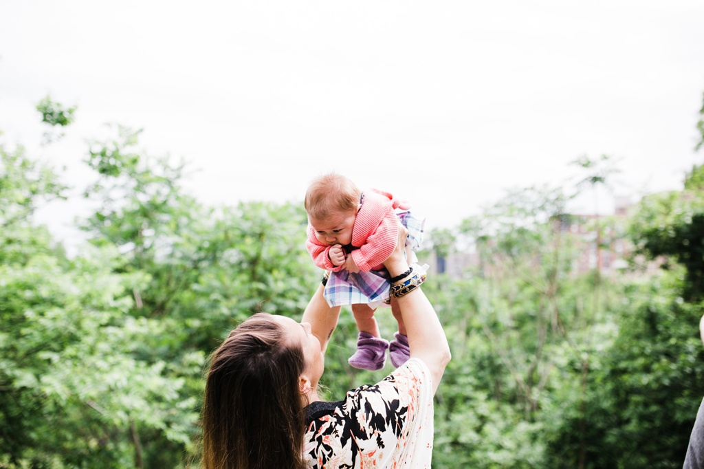 julia kinnunen photography, seattle, new york city, central park, picnic, family photos, new parents,